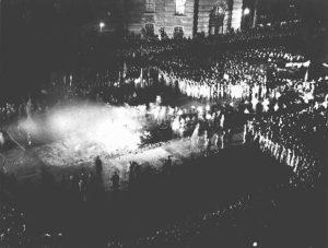 Il rogo dei libri - Book burning in Berlin. Germany, May 10, 1933.
